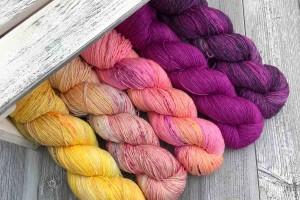 Яскраві кольори пряжі Cleo