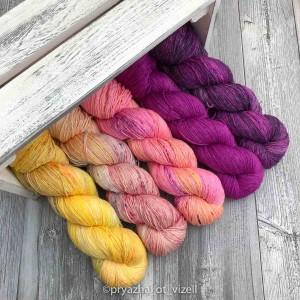 Яркие цвета пряжи Cleo>
