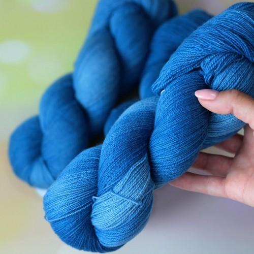 Yak Merino цвет Королевский синий
