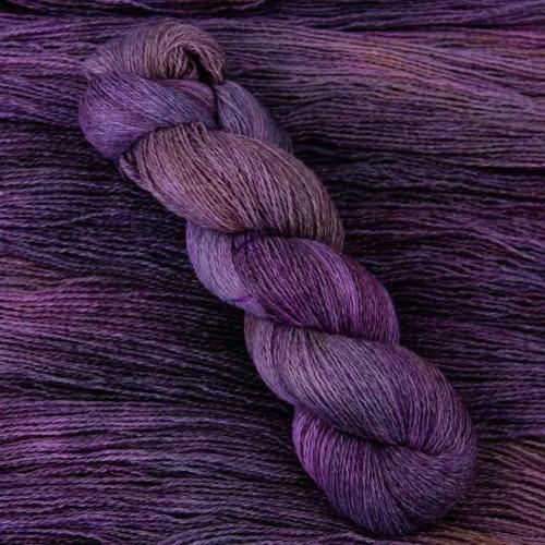 Благородный фиолетовый цвет пряжи Carded