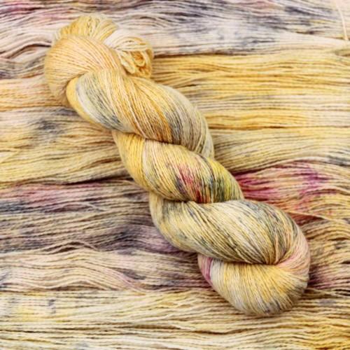 Уютный соломенный цвет с медовой ноткой