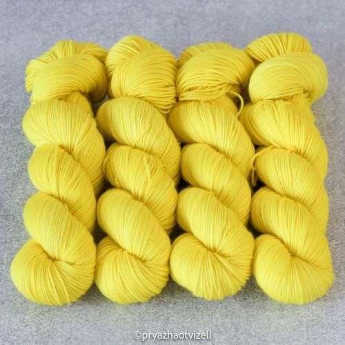 Пряжа Charisma *Сяючий жовтий
